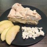 Сочный яблочный пирог с творогом